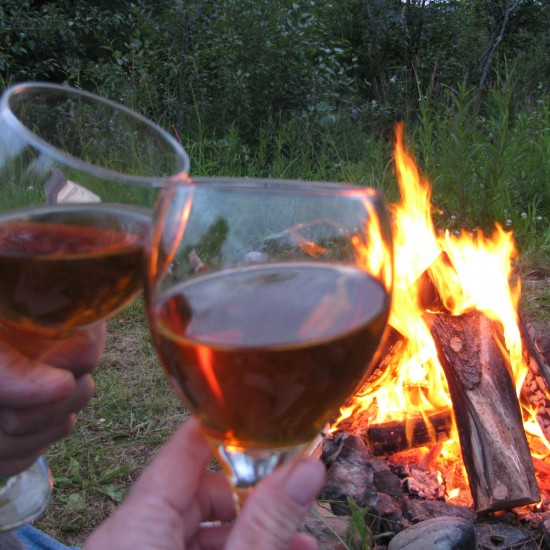 camping-with-wine